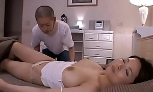 Stunning mature gets her arse and pussy fingered and fucks