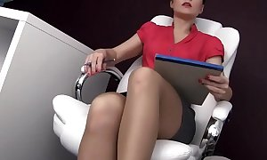Female psychotherapist gives footjob to her patient - POV