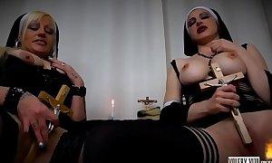 VALERY VITA IN ''LA SEXY SUORA DEL PORNO OLTRAGGIO VOL.5